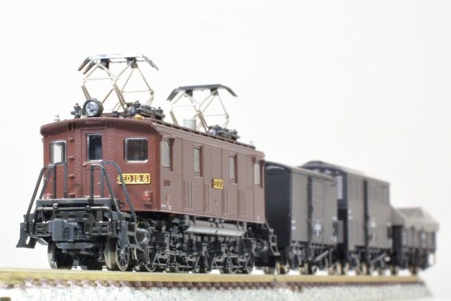 KATO ED19 (品番3078)と2軸貨車