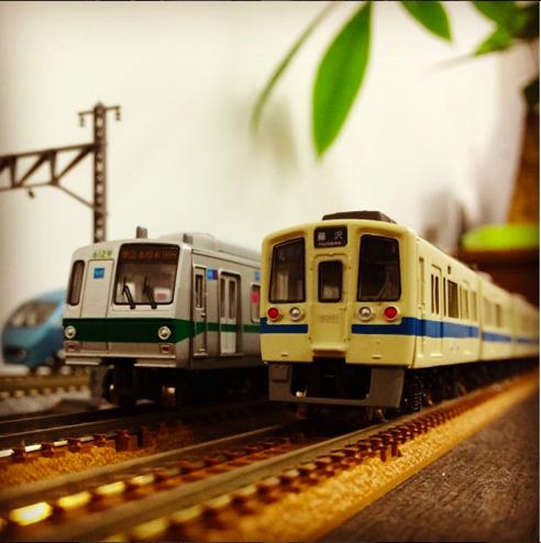 東京メトロ6000系千代田線と小田急9000形