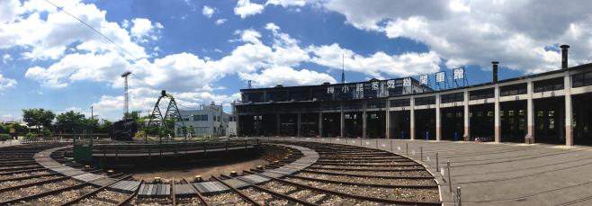 2013年6月に撮影した梅小路蒸気機関車。閉館時にはとてもさみしい思いがしましたが、京都鉄道博物館でまたここに行けることがとても楽しみです!
