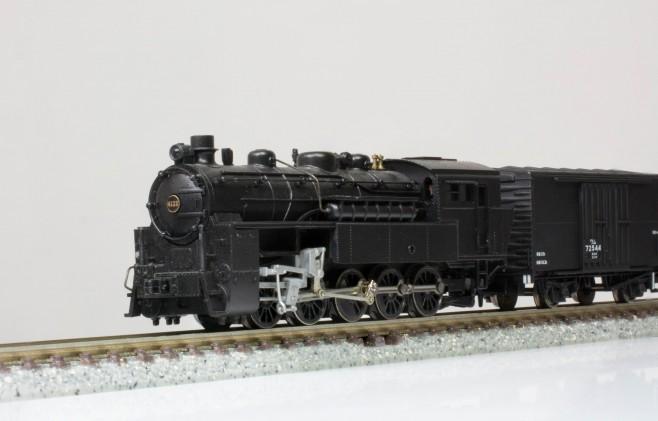 鉄道院の蒸気機関車4110形です。2軸貨車のワムが1両付属します。