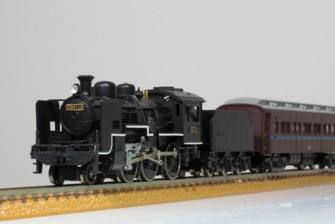KATOのC50形といえばオハ31系の客車が似合います。
