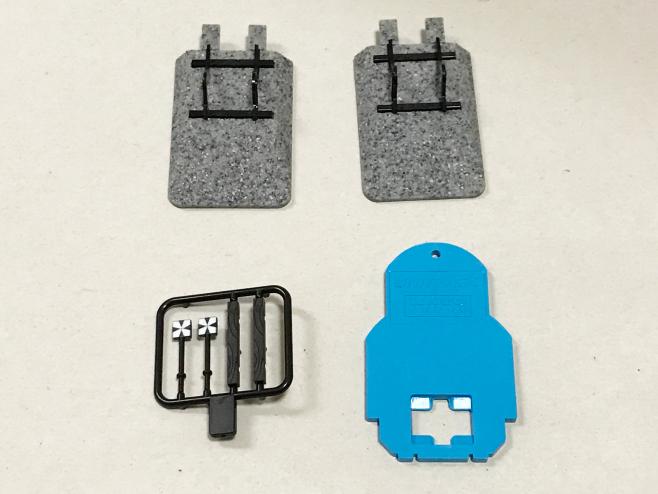 車止め(エンドレール)の付属品にユニジョイナー外しが付いています。これは、車止め線路をつなぐ線路のジョイナーを外すためにあります。